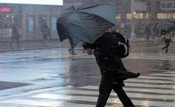 До кінця доби у Києві очікуються пориви вітру 15-18 м