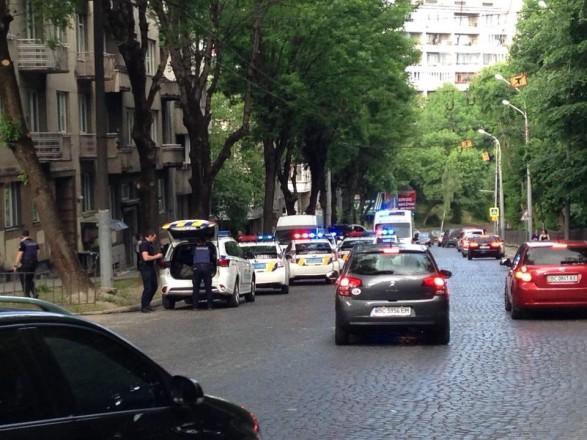 У Львові водій поранив ножем жінку-поліцейського – новини на УНН ... 0abdb0ecd05bd