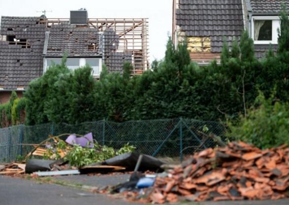 ВГермании пронесся мощнейший торнадо, два человека пострадали (фоторепортаж, видео)