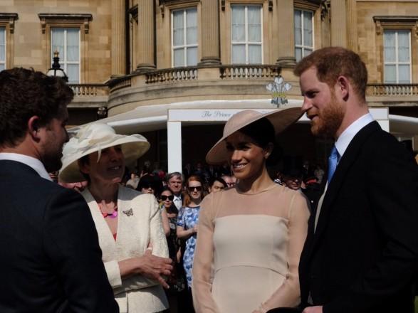 """Принц Гаррі та Меган Маркл """"дебютували"""" в статусі подружньої пари: опубліковані фото (1)"""