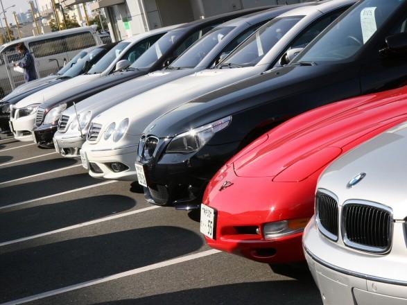 Президент підписав закон про спрощення ввезення імпортних автомобілів