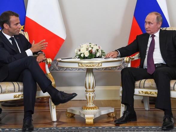 """Макрон за підсумками зустрічі з Путіним назвав бесіду """"прямою, чесною і дуже плідною"""""""