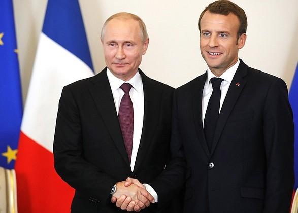 Макрон на зустрічі з Путіним заявив, що вони можуть знайти рішення по Україні, Ірану та Сирії