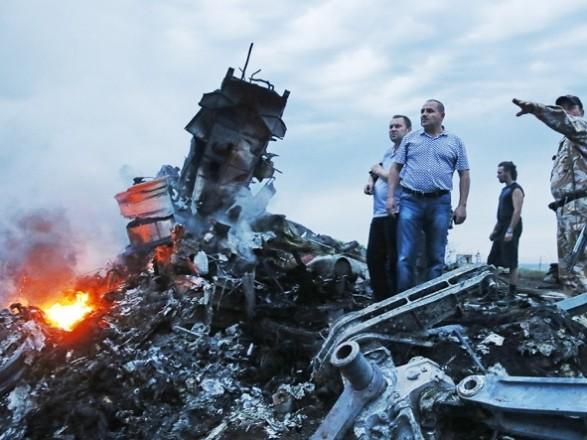ЄС і НАТО закликали Росію взяти на себе відповідальність за катастрофу МН17
