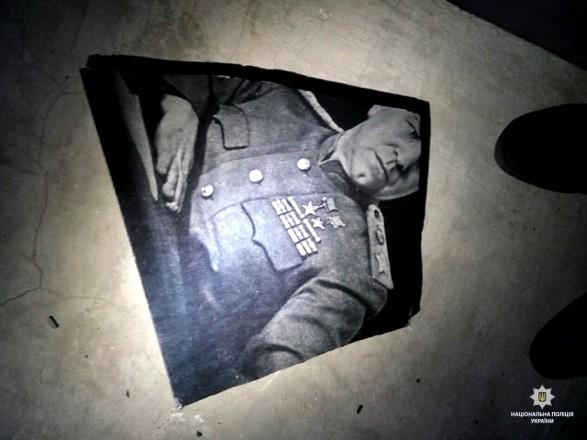 УХаркові вночі розбили меморіальну дошку Жукову