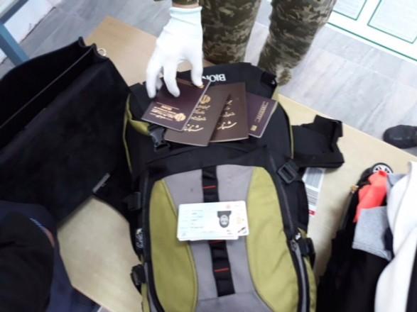 Двох іранців з підробними паспортами Ізраїлю затримали в аеропорту Херсона