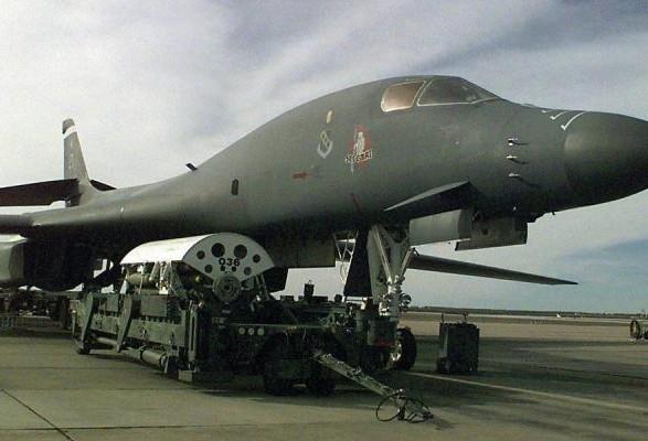 США припинили польоти бомбардувальників В-1B