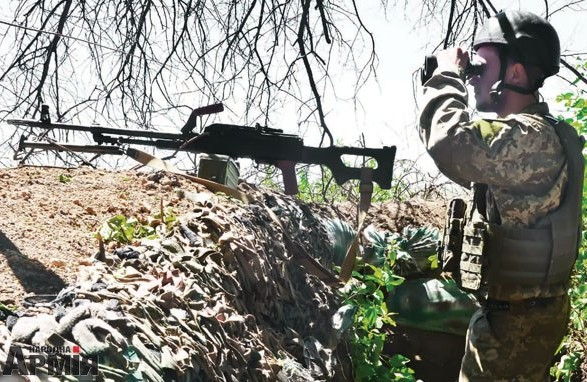 Українські бійці на Донбасі взяли в напівкільце ворожий опорник