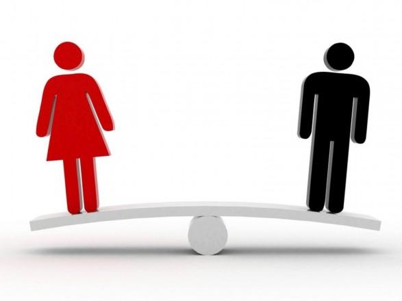 Жінки та чоловіки: стало відомо, кого в Україні більше
