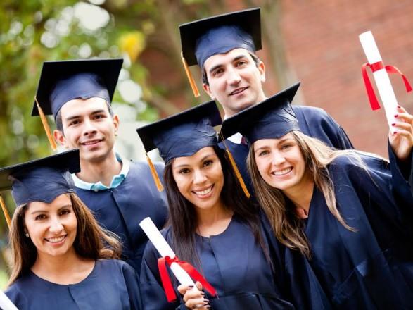 За сім років кількість українських студентів за кордоном зросла майже утричі