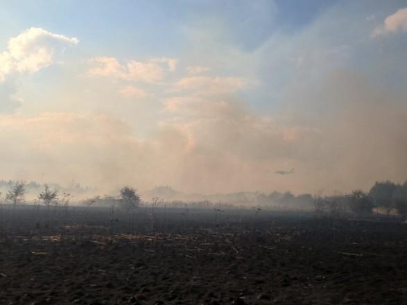Велика пожежа сталася неподалік аеропорту Хітроу в Лондоні