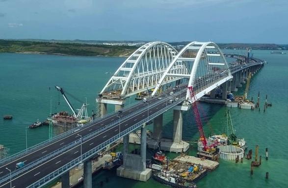 ЕСвводят индивидуальные санкции кшестерым «строителям» Керченского моста