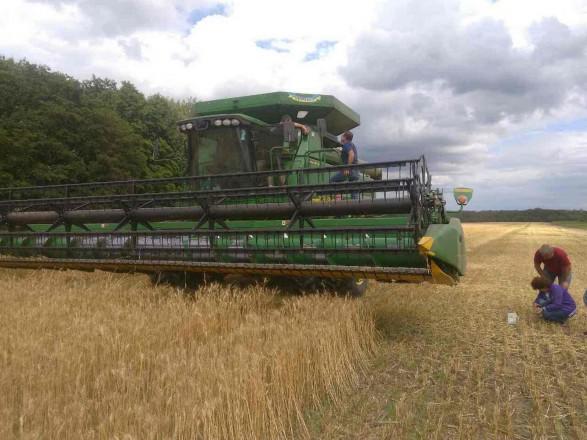 Аграрії намолотили 26 млн тонн зерна нового врожаю
