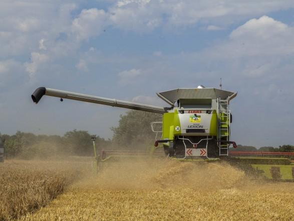 Аграрії вже зібрали майже 31 млн тонн ранніх зернових