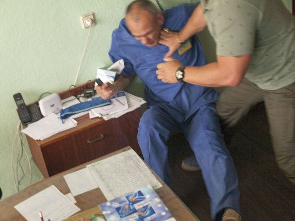 В Днепропетровской области избили врача