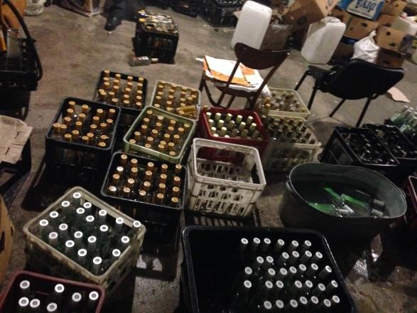 Из подпольного цеха в Одессе изъято более 7 тыс. литров алкоголя