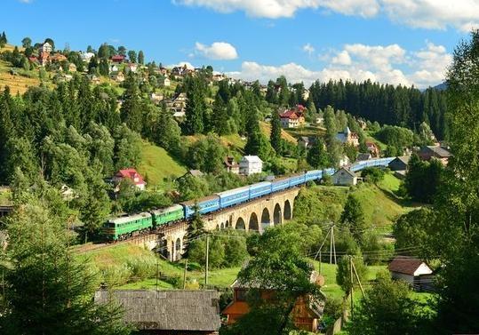 Туристи та гості Івано-Франківщини поповнили місцеві бюджети на 1,1 мільйона гривень