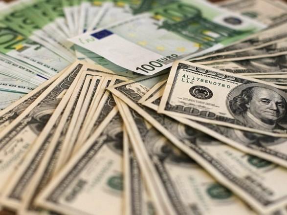 За сім місяців заробітчани переказали до України 6,3 млрд доларів