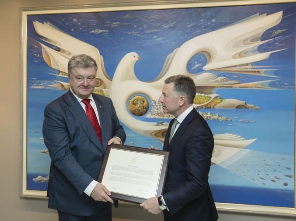 Волкер передав Порошенку декларацію щодо невизнання Америкою анексії Криму