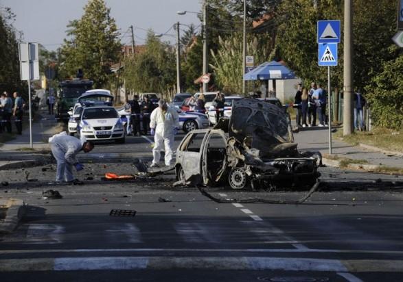УБелграді посеред дороги вибухнуло авто збатьком відомої сербської телеведучої