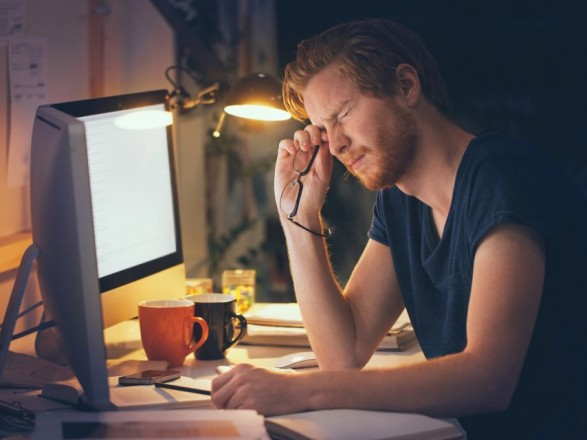 Як зберегти зір при постійній роботі за комп'ютером