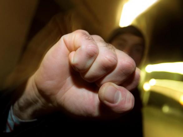 Детективи столичної поліції затримали чоловіка за пограбування 10-річного  хлопчика. Про це повідомив Відділ комунікації поліції Києва 5eacb6767e347