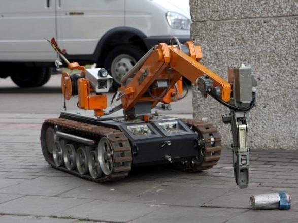 Українці допомогли у створенні напівавтономного робота-сапера для пошуку мін