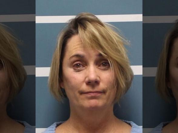 У Каліфорнії вчителька силоміць відрізала волосся учням