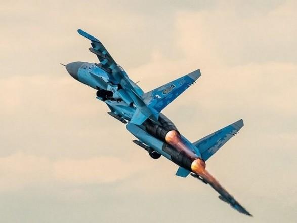 Су-27 розбився при посадці на військовому аеродромі