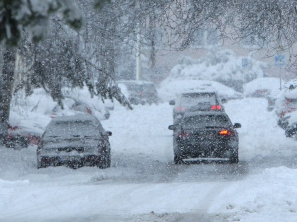 На Прикарпатті очікуються снігопади та ожеледиця