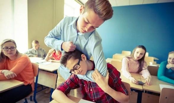 Половина вчителів закривають очі на буллінг серед школярів - психолог