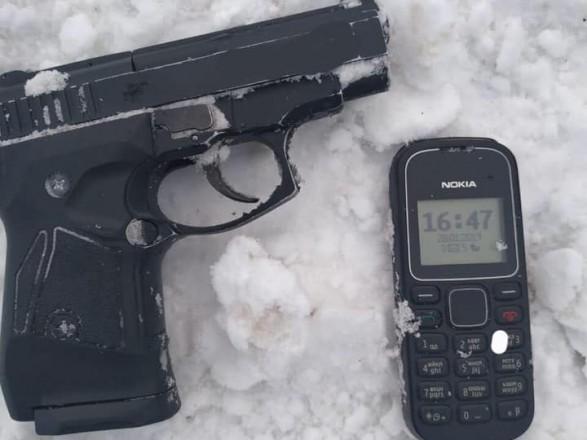 На Рівненщині затримали рецидивіста, який протаранив та намагався стріляти у поліцейських