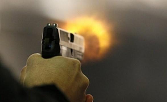 У столиці невідомий вистрелив чоловікові в голову просто посеред вулиці