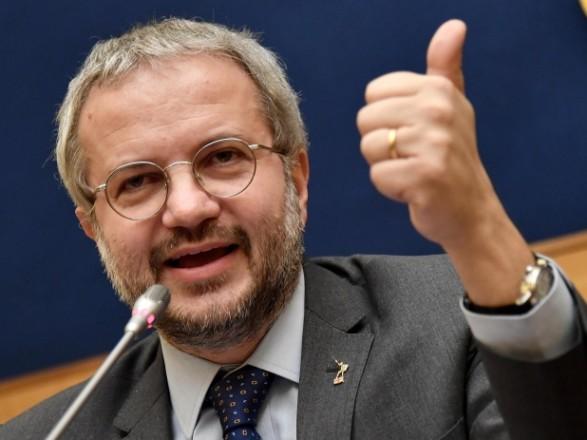 Правящая партия Италия угрожает вывести страну из ЕС