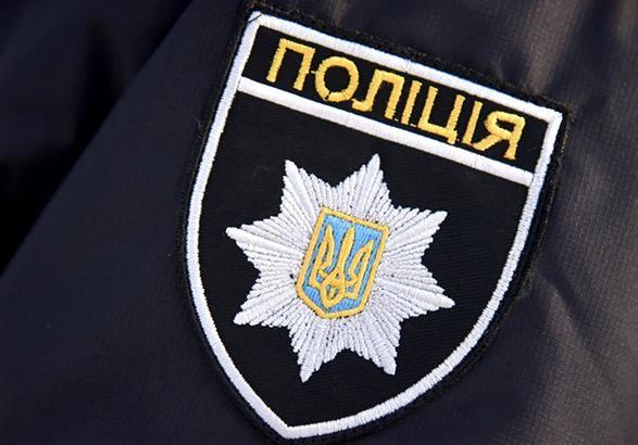 У Каневі із стріляниною поліція зупинила авто порушника