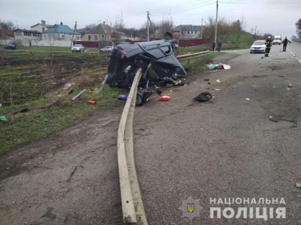 Правоохоронці встановлюють обставини смертельної ДТП у Харківській області