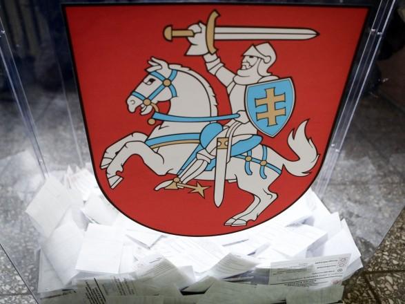 Сегодня в Литве изберут нового президента и проведут два референдума