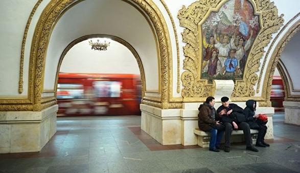 Аварія у московському метро: відразу три поїзди застрягли у тунелі