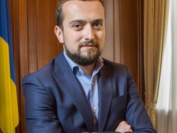 Службу протокола в АП Зеленского контролирует 30-летний PR-щик