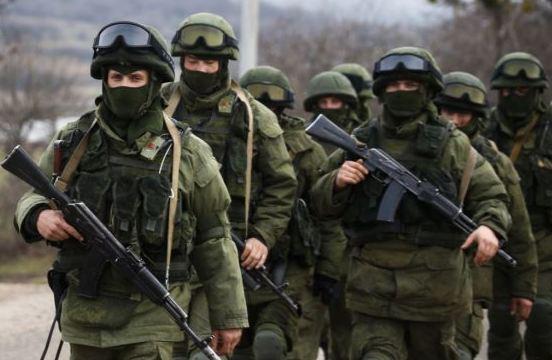 Окупанти приховано завозять нові партії зброї та боєприпасів на Донбас – розвідка