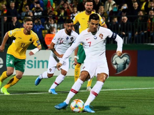 Покер Роналду принес Португалии вторую подряд победу в отборе на Евро-