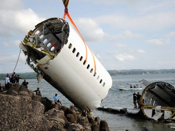 Катастрофа Boeing 737 в Индонезии: следователи назвали причины ...