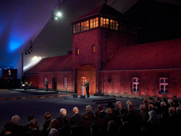 Зеленський взяв участь у відзначенні 75-річчя визволення концтабору Аушвіц-Біркенау