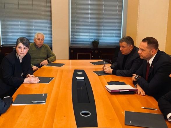 Зеленский и Аваков встретились с мамой Маркива: говорили о деталях дела