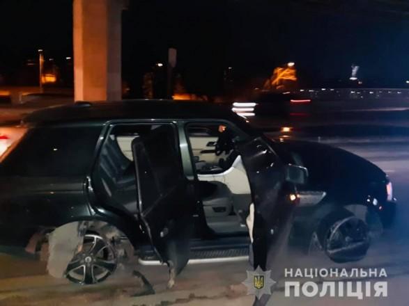В Киеве на мосту Метро полиция устроила стрельбу