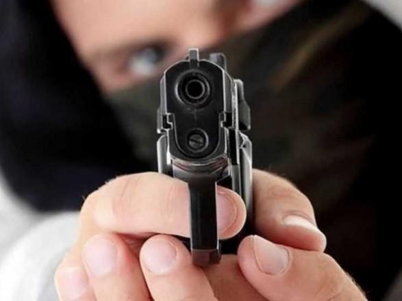 В Киеве мужчина устроил стрельбу в спортзале