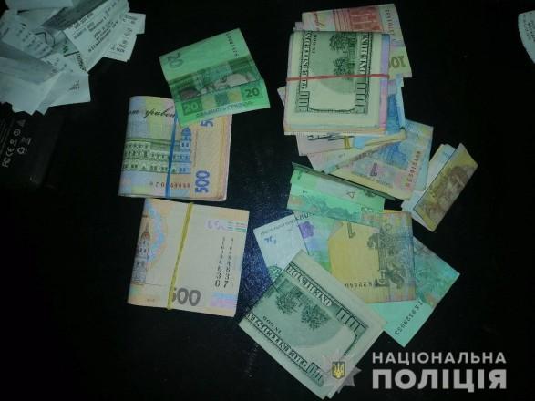 """У Бердянську затримали групу вимагачів """"боргів"""", які насильно утримували чотирьох чоловіків"""
