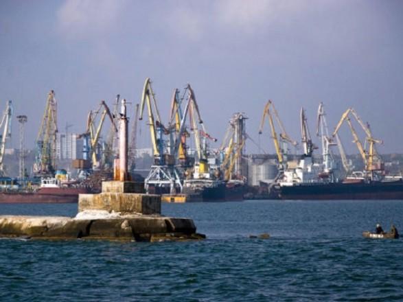 Недопущення коронавірусу: у порту Бердянськ ізолювали моряків у каюті судна