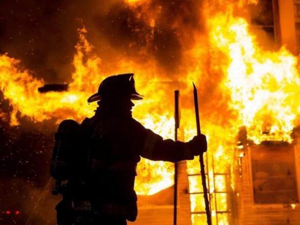 В Мариуполе во время пожара в доме погиб человек