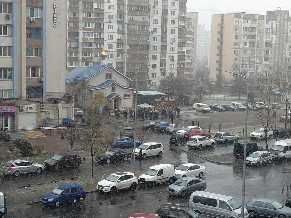 В Киеве из-за карантина образовалась очередь в церковь на воскресную службу